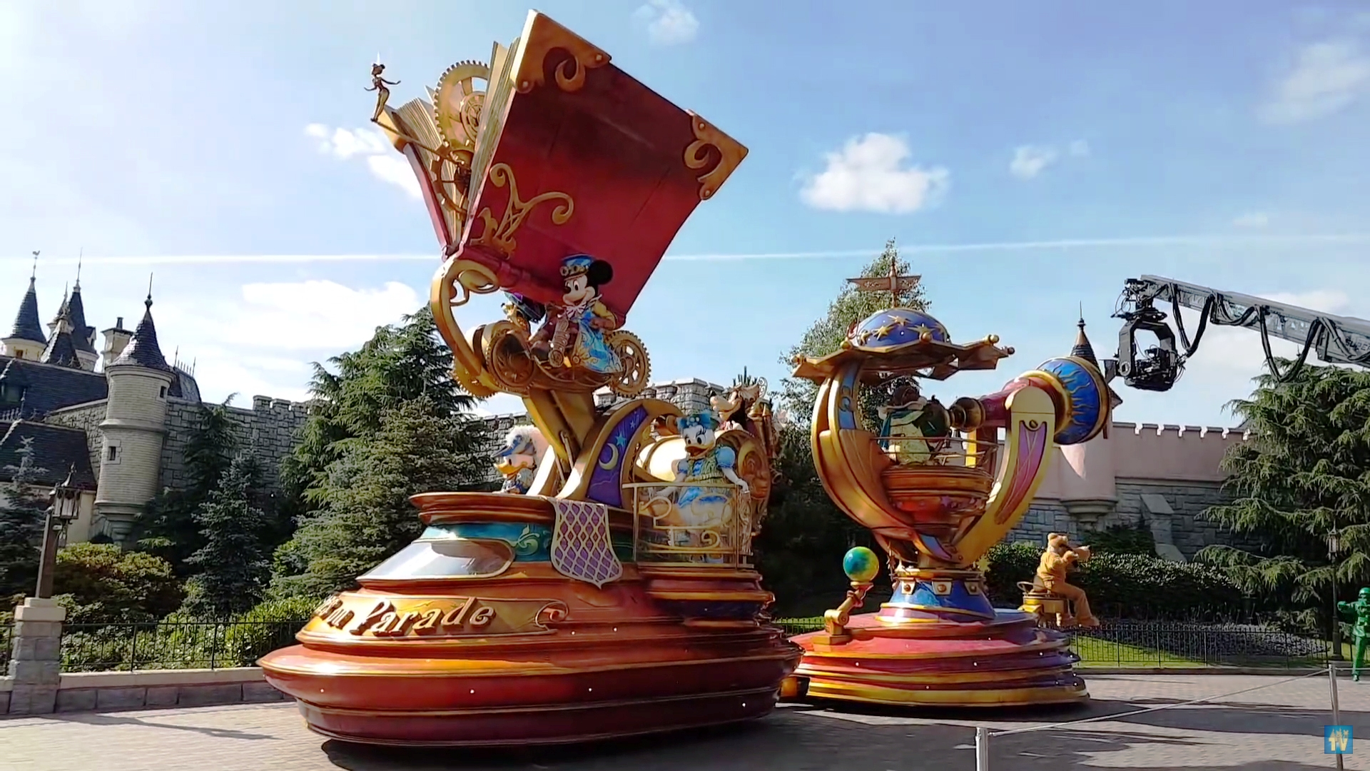 Disney Stars On Parade Disney Wiki Fandom