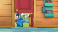 Stuffy opens the bottom door