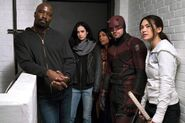 The Defenders - 1x07 - Fish in the Jailhouse - Photography - Luke, Jessica, Claire, Daredevil and Colleen