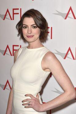 Anne Hathaway AFI Awards.jpg