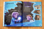 Frozen The Essential Guide pag 14 15