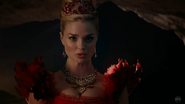 Once Upon a Time in Wonderland - 1x01 - Down the Rabbit Hole - Red Queen