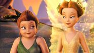 Fairy-Mary-and-Queen-Clarion-disney-fairies-movies-36970151-852-480
