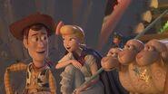 Lamp Life - Officiële Trailer - Disney+ NL