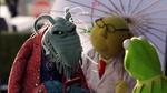 TheMuppets-S01E05-UncleDeadly-UmbrellaBunsen-Kermit