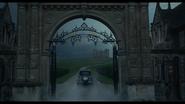 Disney's Cruella Official Trailer (29)