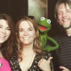 Amy Pietz, Lea Thompson, Kermit, Steve Whitmire.jpg