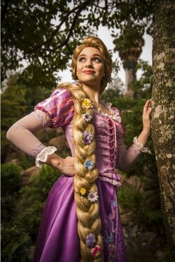 TANGLED NECKLACE disney princess rapunzel flynn rider sun lanterns cute blonde