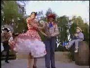 Turkey In The Straw (Mickey's Fun Songs)-2