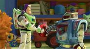 Buzz, Traktory i inne zabawki
