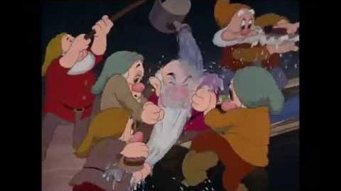 Sneeuwwitje_en_de_Zeven_Dwergen_Het_Badlied_Disney_NL