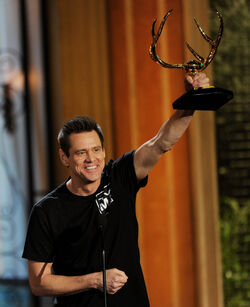 Jim Carrey Guys Choice Award.jpg