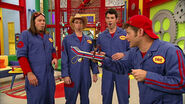 Imagination Movers Walkaway Walkie