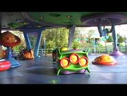 Alien Swirling Saucers Holiday - Down Through The Chimney-2