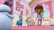 Doc, stuffy and lambie singing2