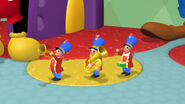 Toy marching band