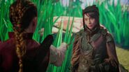 Once Upon a Time in Wonderland - 1x04 - The Serpent - Alice and Lizard