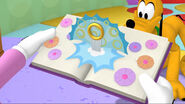 Pop out book mickey mouse clubhouse