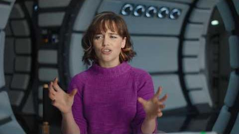"""SOLO Behind The Scenes """"Qi'Ra"""" Emilia Clarke Interview - A Star Wars Story"""
