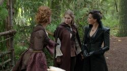 Once Upon a Time - 7x10 - The Eighth Witch - Family.jpg