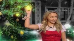 Hayden_Panettiere_-_I_Still_believe_(official_music_video)_HD