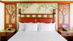 Disneys-grand-californian-hotel-spa-premium-park-view-bedroom