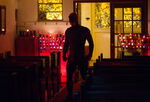 Daredevil - 2x01 - Bang - Photography - Daredevil in Church