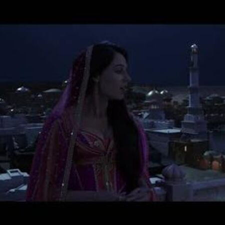 "Mena Massoud, Naomi Scott - Desert Moon (From ""Aladdin"")"