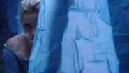 Once Upon a Time - 4x02 - White Out - Elsa Hiding