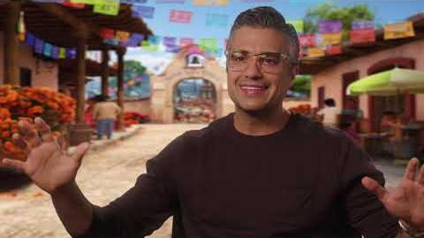 "Coco Official ""Papá"" Interview with Jaime Camil"
