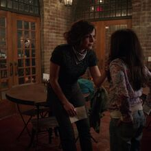 Once Upon a Time - 7x13 - Knightfall - Roni and Lucy.jpg