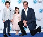 Rob Minkoff & kids at World of Children Hero Awards Benefit