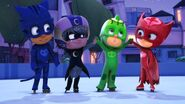 PJ Masks celebrating christmas with Luna Girl