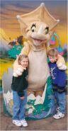Universal Studios - Steven and Suzy and Sara the Dinosaur