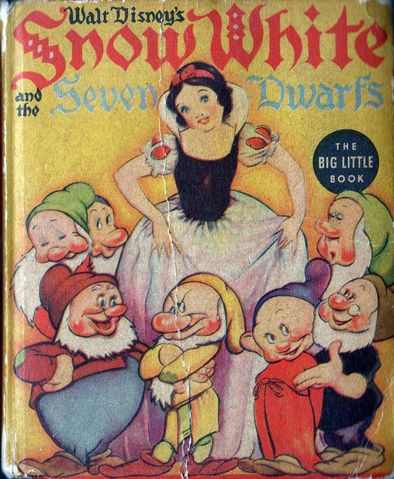 Snow White and the Seven Dwarfs (Big Golden Book)