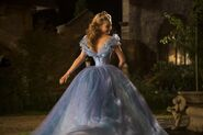 Cinderella (2015 film)3