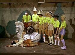 Snow White and the Seven Bradys.jpg
