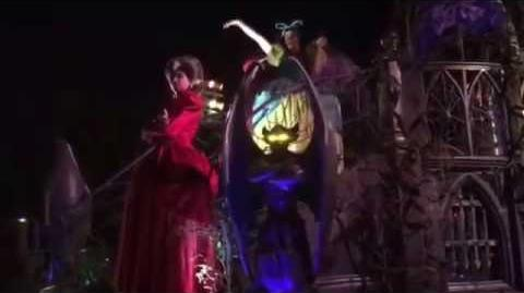 New Disney Villains Float Mickey's Halloween Party Frightfully Fun Parade Disneyland 2016