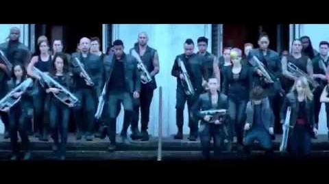 Trailer oficial Insurgente audio español latino