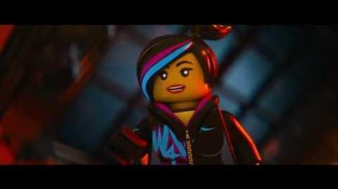 """""""La Gran Aventura LEGO"""". Clip Intro """"Estilo-Libre"""". Oficial Warner Bros"""