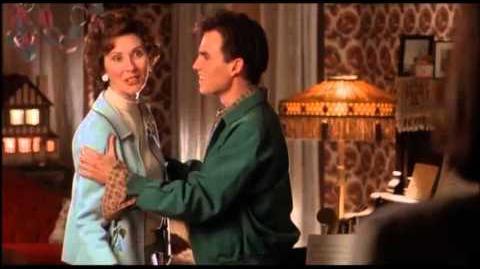 """Pesadilla en la calle Elm 6 """"¿Tu piensas que soy tu papi? Muestra de redoblaje"""