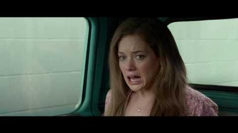 Monster Trucks Clip Esconderse de los Policías Paramount Pictures México