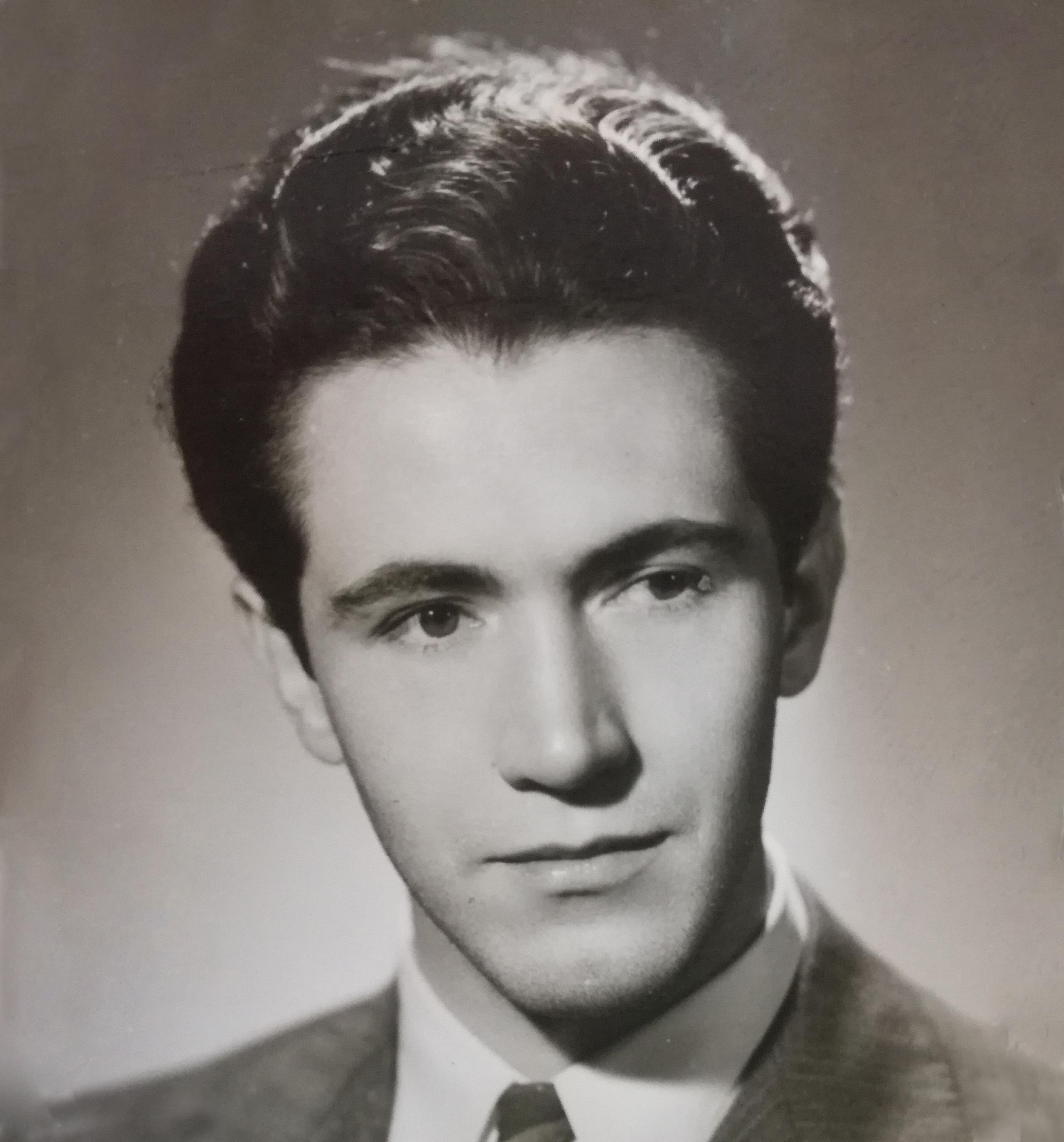 Roberto Espriú