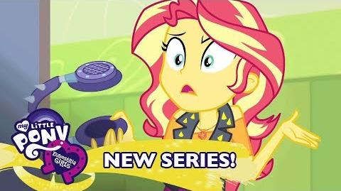 MLP Equestria Girls Temporada 1 Latino América - 'Sunset Shimmer es Sobrepasadas' 🎆 Short Exclusivo