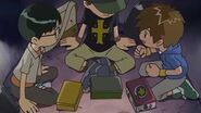 Takato les cuenta a Hirokazu y a Kenta sobre el sueño que tuvo - Latino