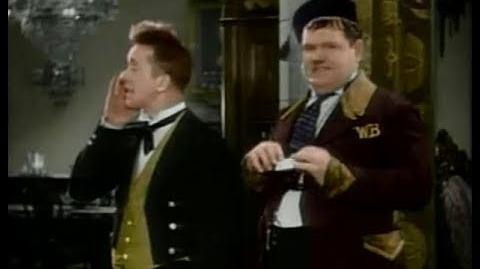 Otro Gran Aprieto - COLOR - LATINO - 1930 - El Gordo y El Flaco