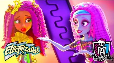 Cambios de lookmonstruosos Electrizadas Monster High