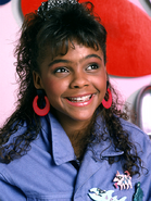 Lark-voorhies-saved-by-the-bell