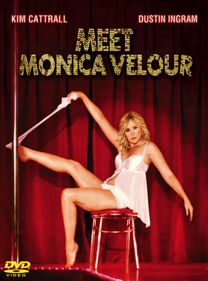 Conociendo a Monica Velour