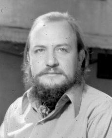 Ramón Menéndez.jpg